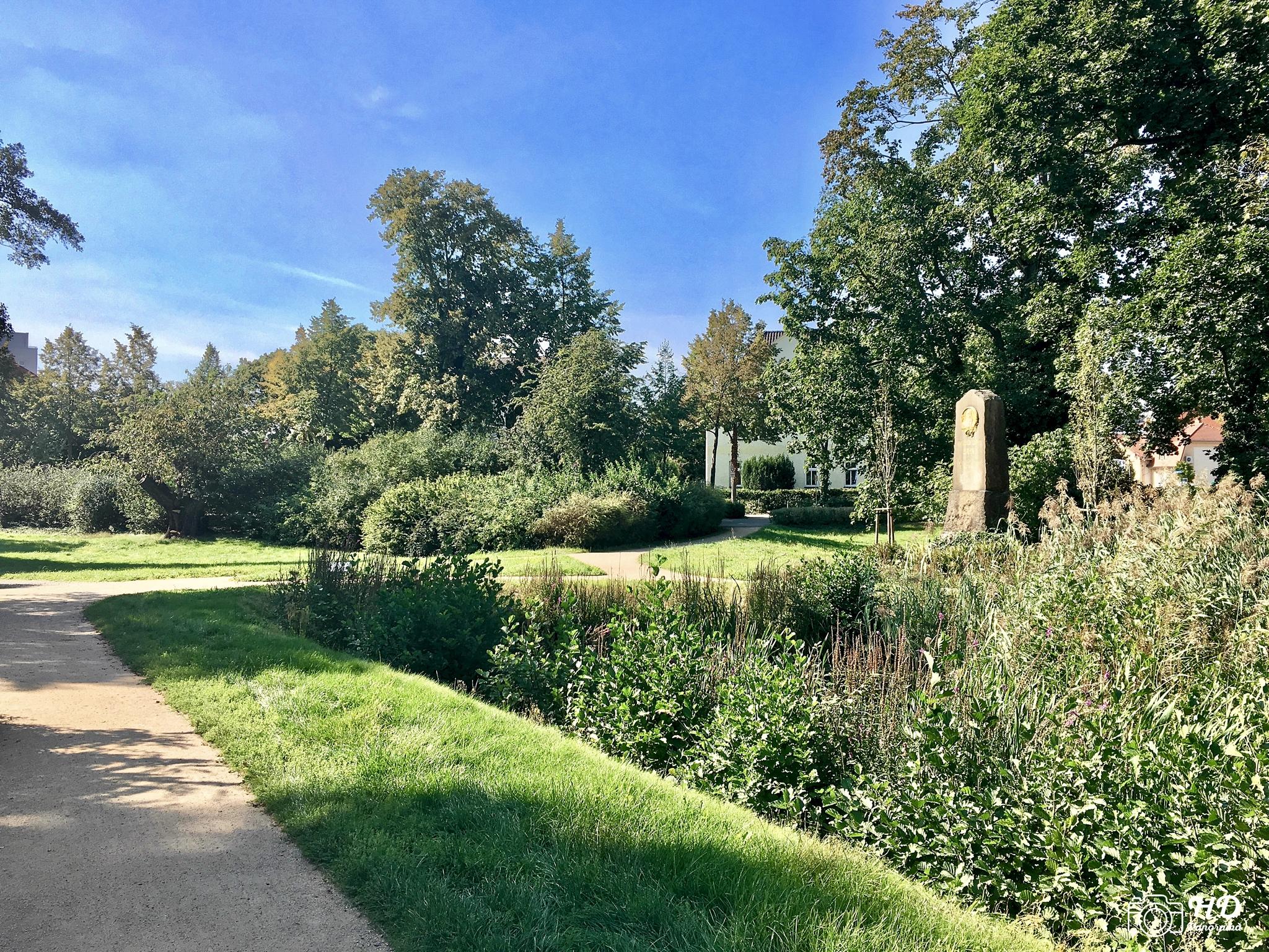 Die Parkanlage am Schloss und Festung Senftenberg mit Jahn-Denkmal, Foto © René Blanke