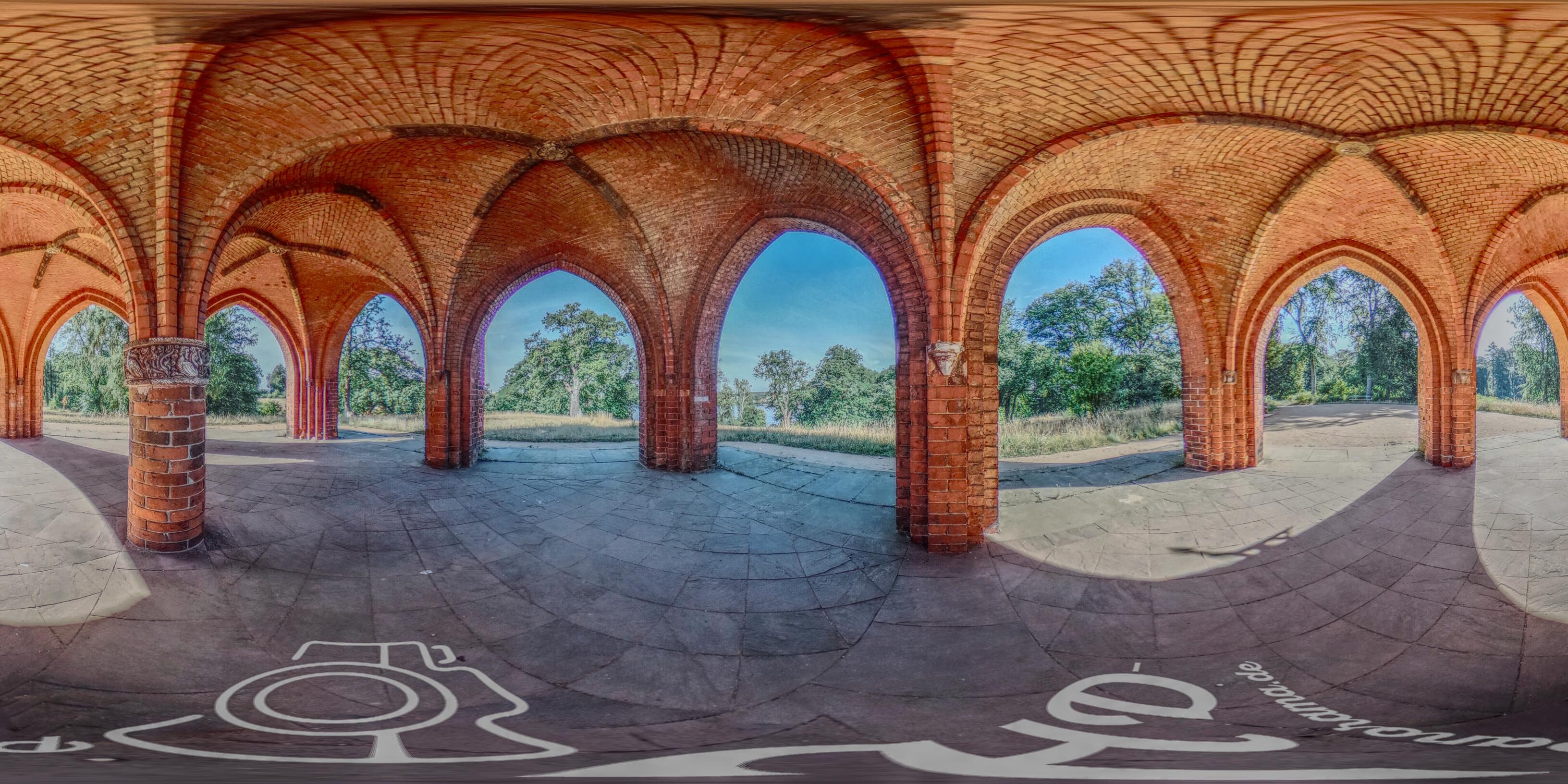 Neues Panorama aus dem Park Babelsberg – Die Gerichtslaube Panorama