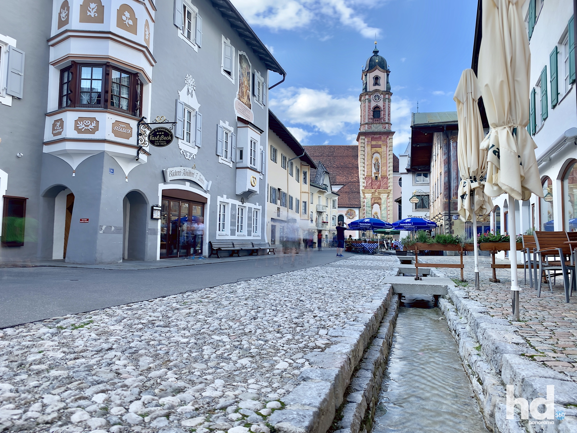 Obermarkt, zentralster Punkt und autofreie Bummelmeile in Mittenwald, Foto © HD-Panorama