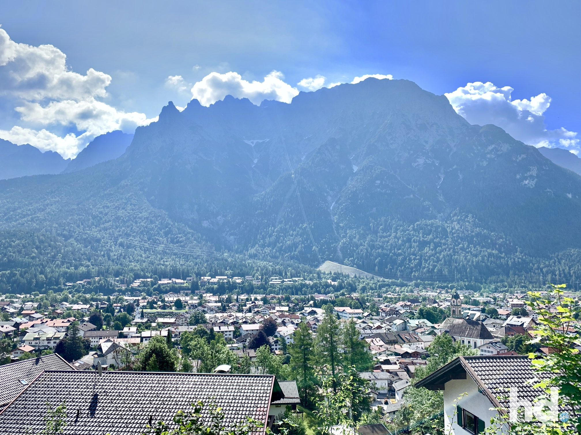 Blick auf Mittenwald von der Talstation am Kranzberg, Foto © HD-Panorama