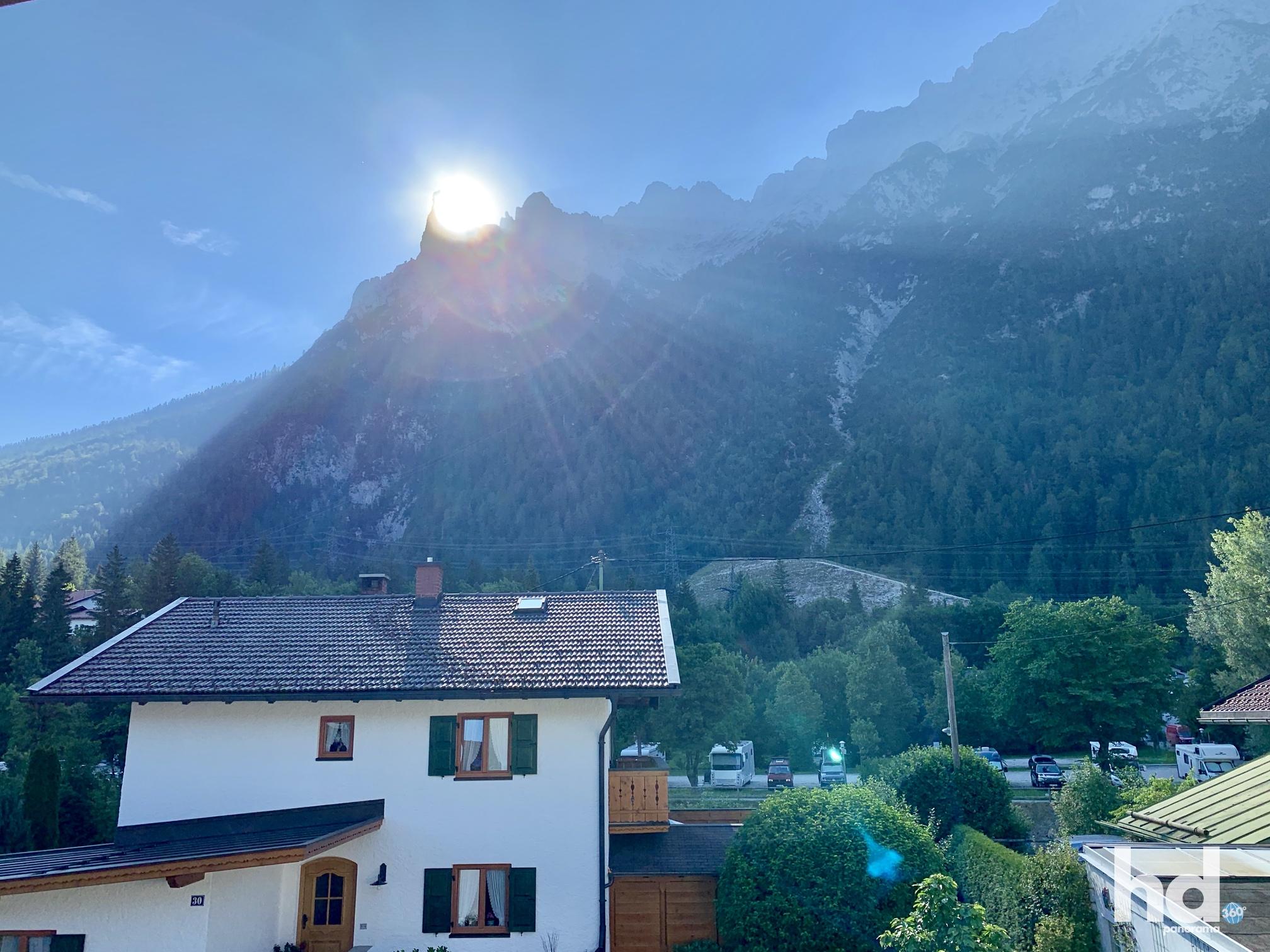 Herrlicher Sonnenaufgang an der westlichen Karwendelspitze, Foto © HD-Panorama