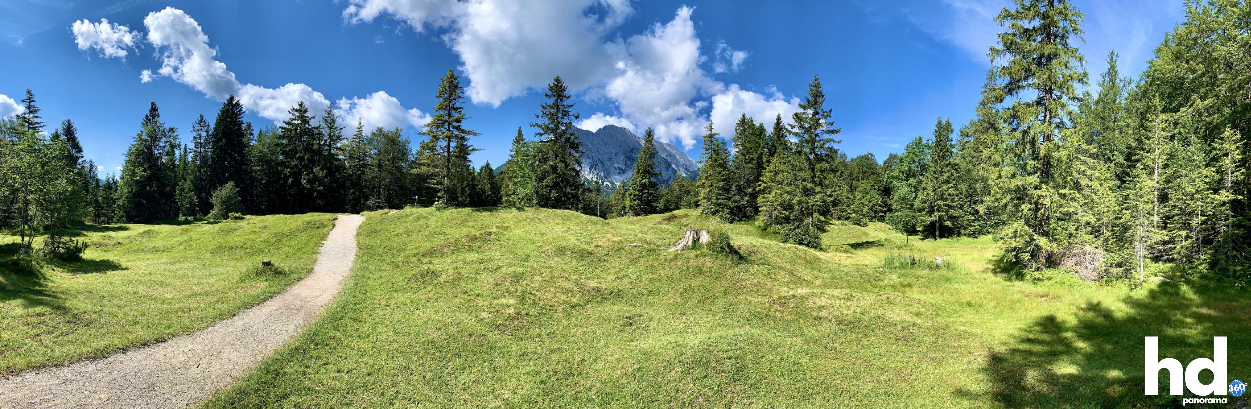 Wanderweg Großer Kranzberg zum Ferchensee Mittenwald - Foto © HD-Panorama